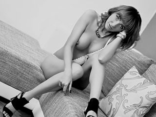 Voir le liveshow de  LadyTaniaaa de Livejasmin - 31 ans - What s between my long rt to heaven ! Make sure you book a seat and enjoy  every minute ! Le ...