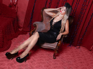 Voir le liveshow de  MissKendra de Livejasmin - 32 ans - SOFT AND SENSUAL LADY! I WAS BORN TO MAKE U HAPPYFETISH LADY ROLEYPLAY LONG LEGS SEXY FEET BI ...